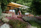 Terrasse mit Heidegarten